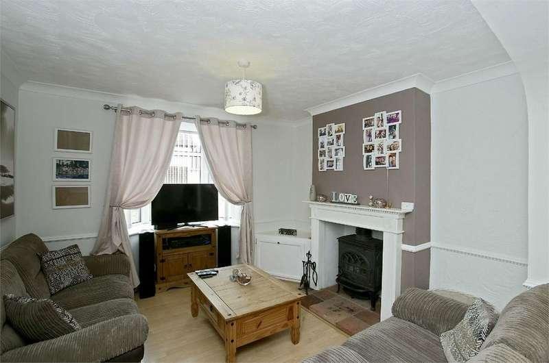 2 Bedrooms Semi Detached House for sale in Yaxham Road, Dereham, Norfolk