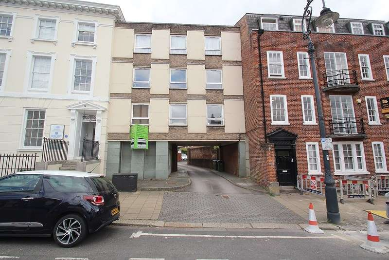 2 Bedrooms Apartment Flat for sale in High Street, Fareham
