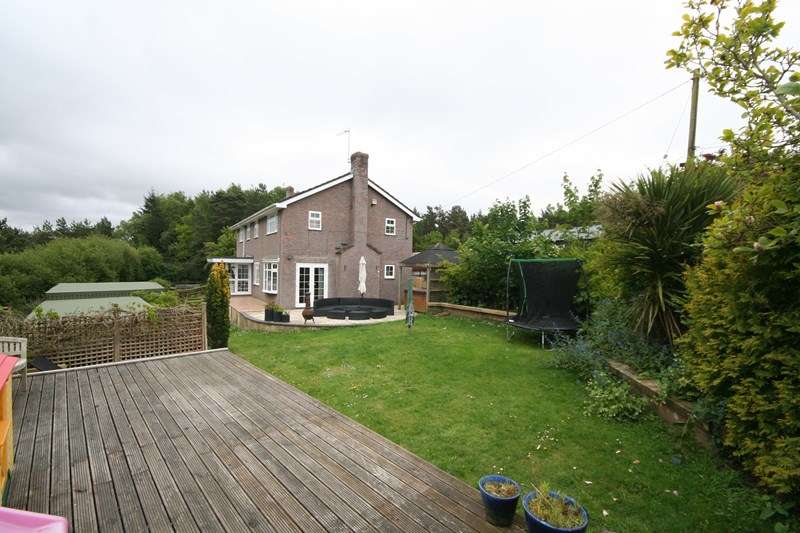 4 Bedrooms Detached House for sale in Huntick Road, Lytchett Matravers, Poole