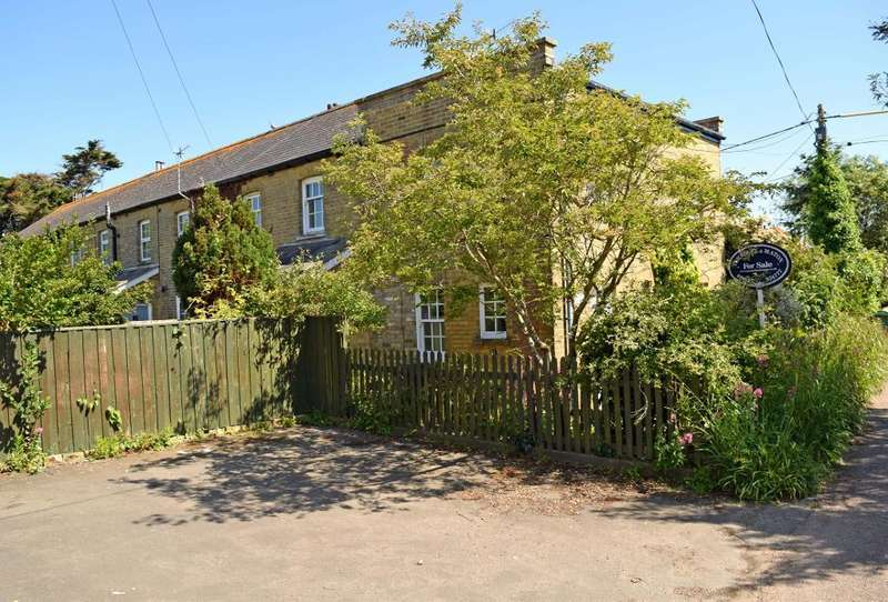 4 Bedrooms Semi Detached House for sale in Forelands Field Road, Bembridge, Isle of Wight, PO35 5TR