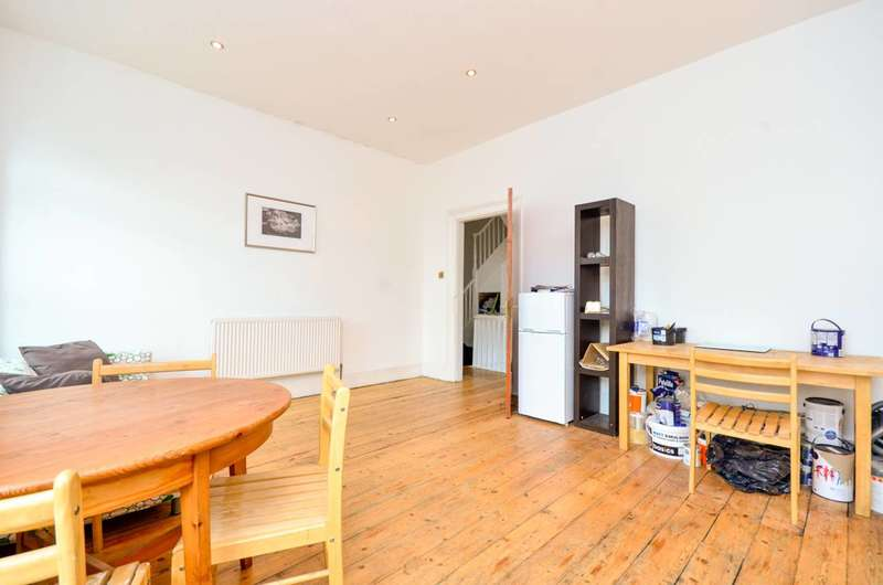 4 Bedrooms Flat for sale in Stopford Road, Plaistow, E13