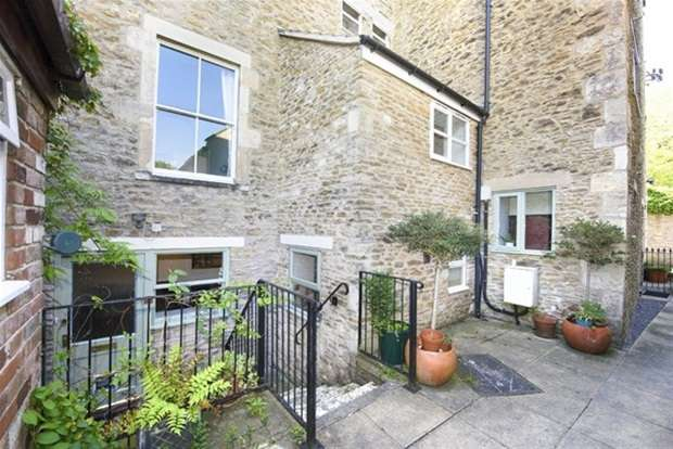 2 Bedrooms Maisonette Flat for sale in Spinning Mill Cottages, Goulds Ground , Frome