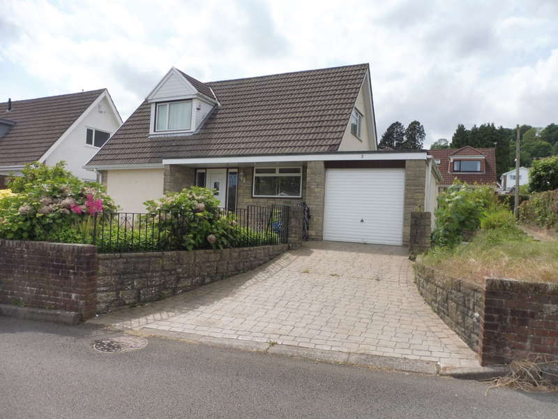 3 Bedrooms Detached Bungalow for sale in Sunnybank Way, Griffithstown, Pontypool