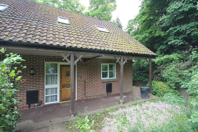 3 Bedrooms Cottage House for sale in Willicombe Park, Tunbridge Wells