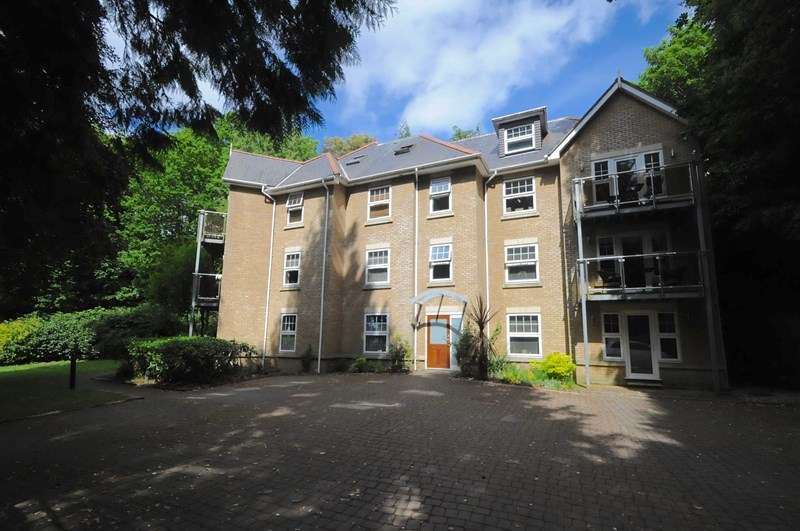 2 Bedrooms Apartment Flat for sale in North Road, Lower Parkstone, Poole