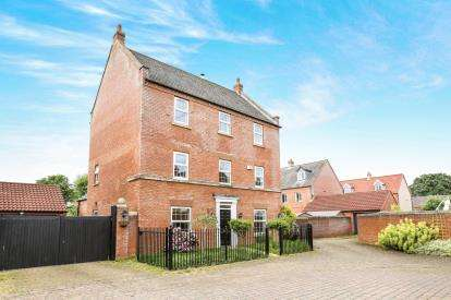 6 Bedrooms Detached House for sale in Nursery Close, Potton, Sandy, Bedfordshire