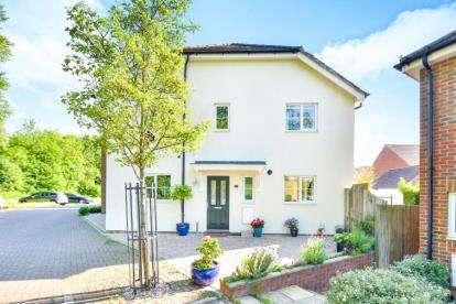4 Bedrooms Link Detached House for sale in Lydbrook Lane, Woburn Sands, Milton Keynes