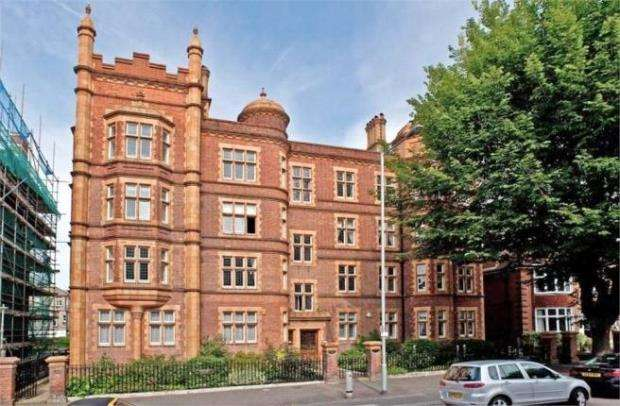 4 Bedrooms Flat for sale in The Drive, Hove