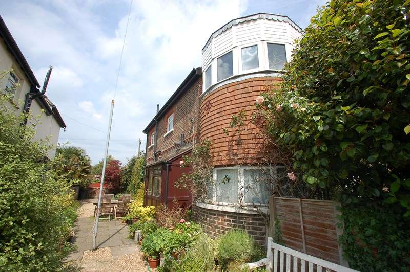 3 Bedrooms Maisonette Flat for sale in Monckton Road, Gosport