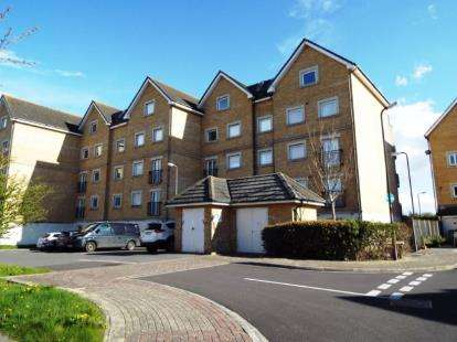 2 Bedrooms Flat for sale in Centurion Gate, Southsea, Hampshire