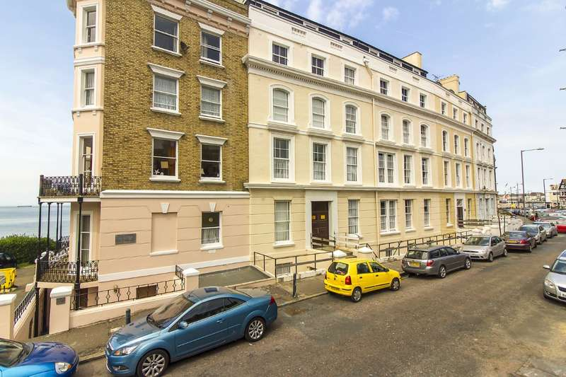 3 Bedrooms Apartment Flat for sale in Hollywood Court