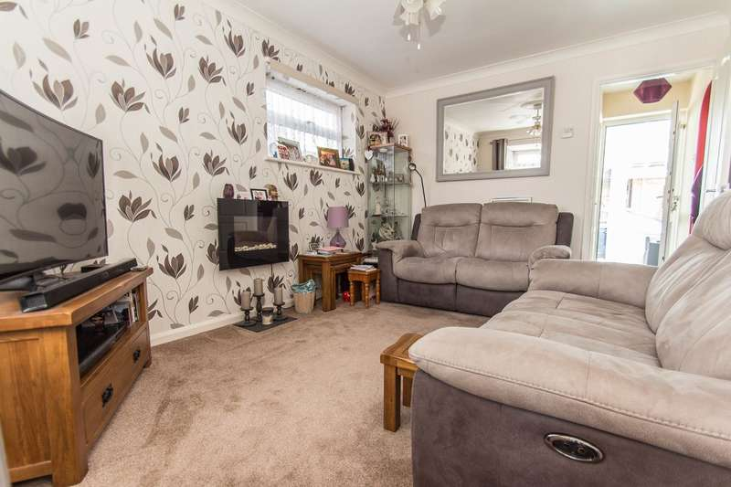 1 Bedroom Detached Bungalow for sale in Barnards Avenue, Canvey Island, SS8