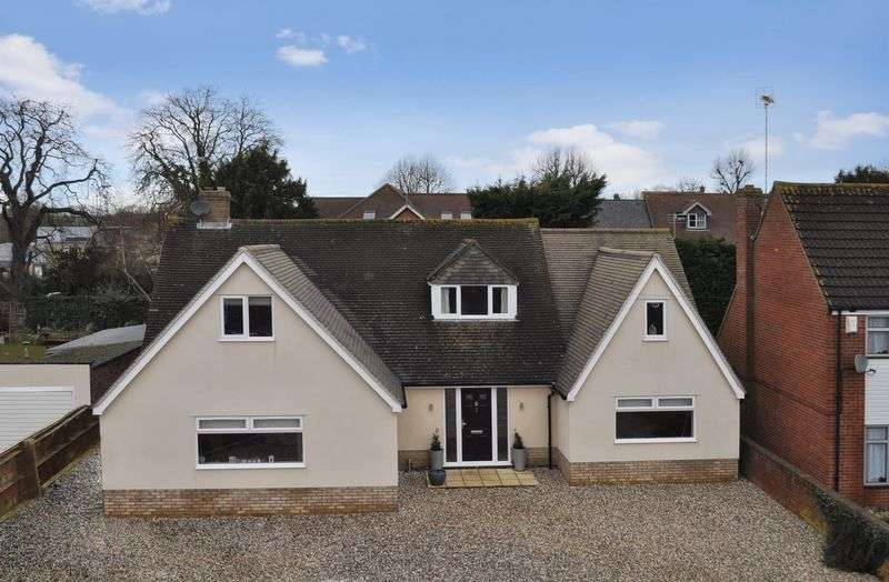 4 Bedrooms Property for sale in Caldecott Road, Abingdon