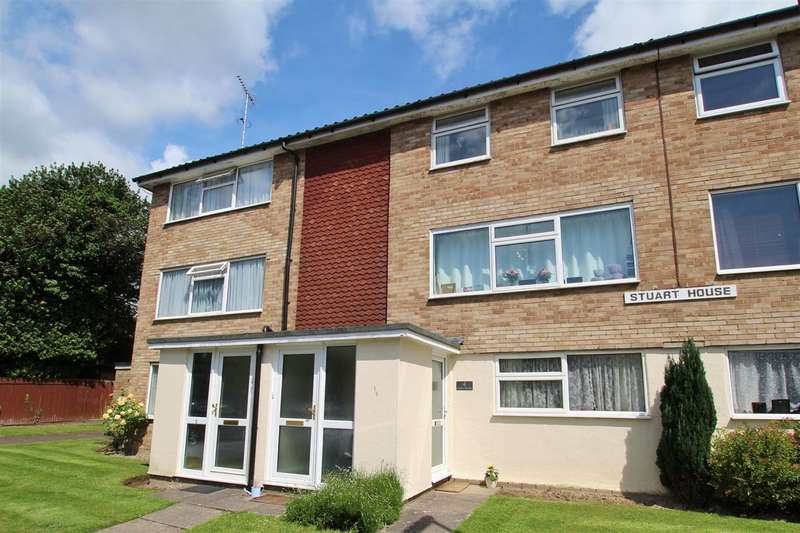 2 Bedrooms Apartment Flat for sale in Stuart House, York Close, Horsham