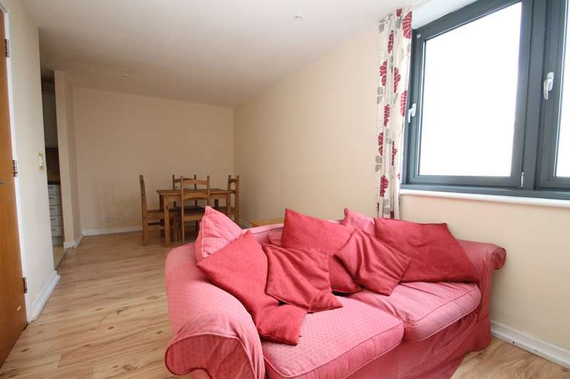 1 Bedroom Flat for sale in Cambridge Road, Barking, London, IG11