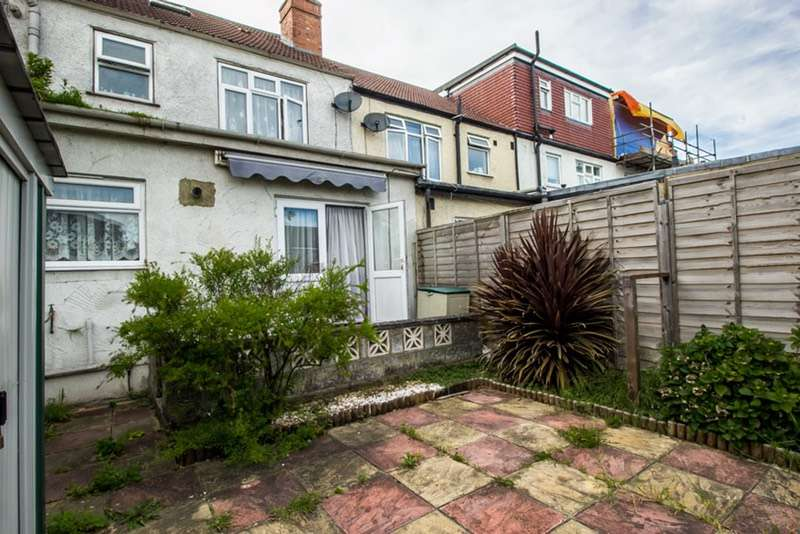 3 Bedrooms Terraced House for sale in Davidson Road, Croydon, Surrey, CR0