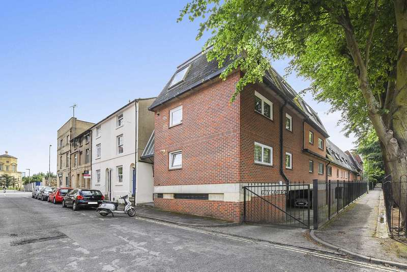 1 Bedroom Flat for sale in Guy Court, Oxford