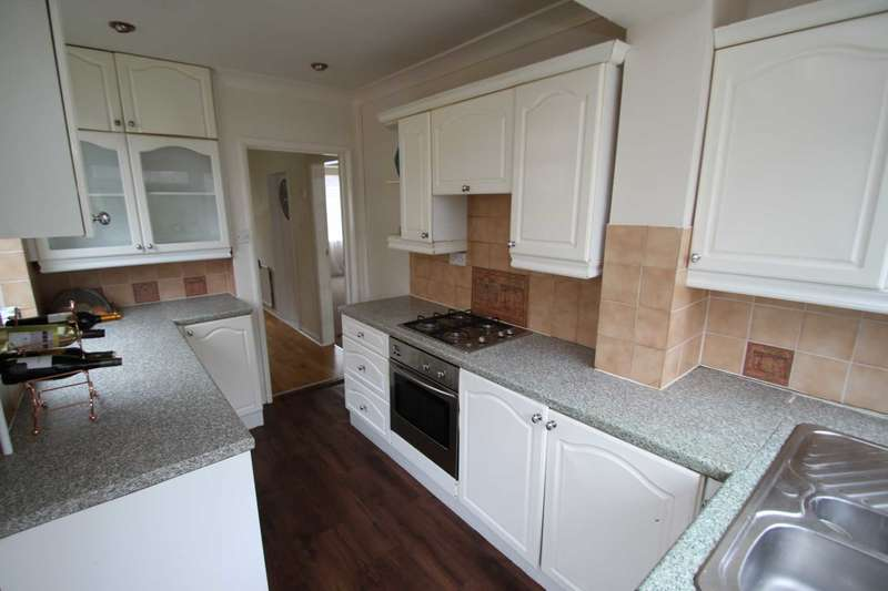 3 Bedrooms Detached House for sale in Evesham Road, Leicester