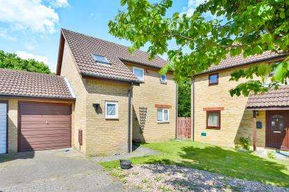 3 Bedrooms Detached House for sale in Chevalier Grove, Crownhill, Milton Keynes, Buckinghamshire