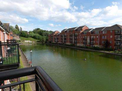 2 Bedrooms Flat for sale in Ellerman Road, Liverpool, Merseyside, L3