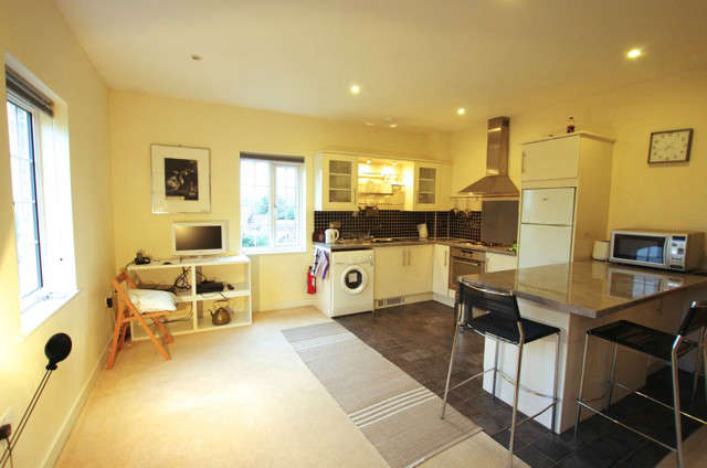 2 Bedrooms Flat for sale in Flowers Yard Chippenham