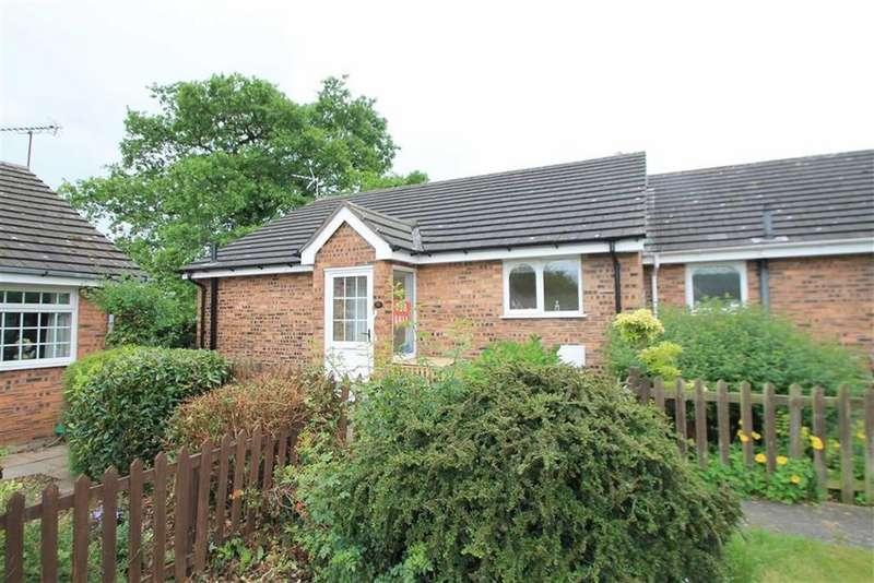 2 Bedrooms Semi Detached Bungalow for sale in Trewythen Park, Gresford, Wrexham