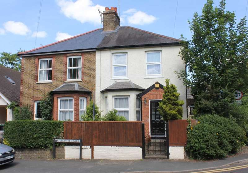 3 Bedrooms Semi Detached House for sale in EXTENDED 3 BED SEMI WITH DOUBLE GARAGE in Railway Terrace, Kings Langley