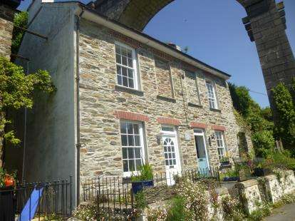 2 Bedrooms Semi Detached House for sale in Lower Kelly, Calstock, Cornwall