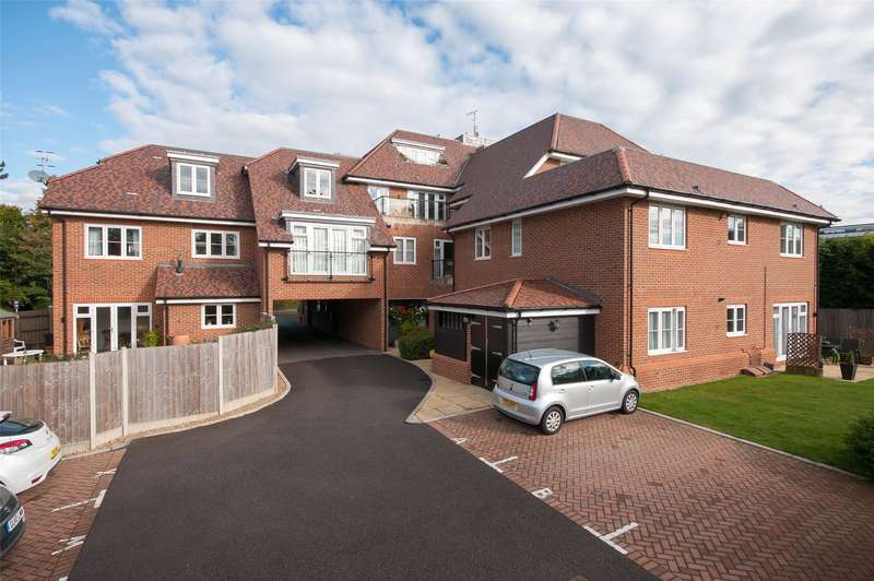 2 Bedrooms Apartment Flat for sale in Queensberry Place, 95 Doods Road, Reigate, Surrey, RH2