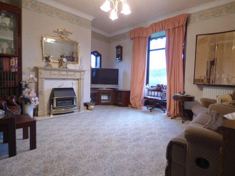 3 Bedrooms End Of Terrace House for sale in Croft Street, Bacup, Lancashire, OL13