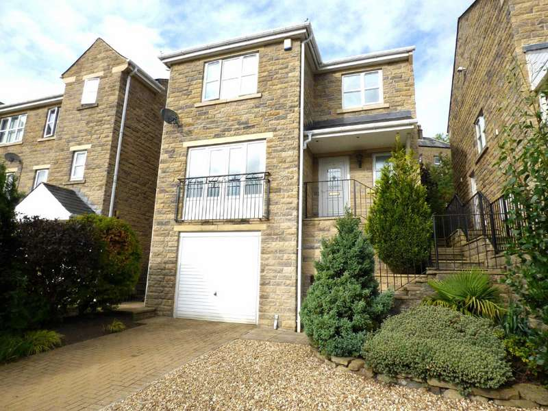 4 Bedrooms Detached House for sale in Hillbeck, Wheatley, Halifax, West Yorkshire, HX3