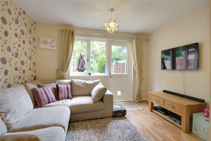 2 Bedrooms Terraced House for sale in Rowhurst Avenue, Addlestone, Surrey, KT15