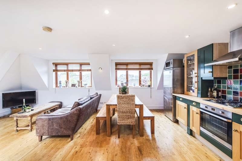 2 Bedrooms Flat for sale in Acton Lane, Chiswick, London, W4