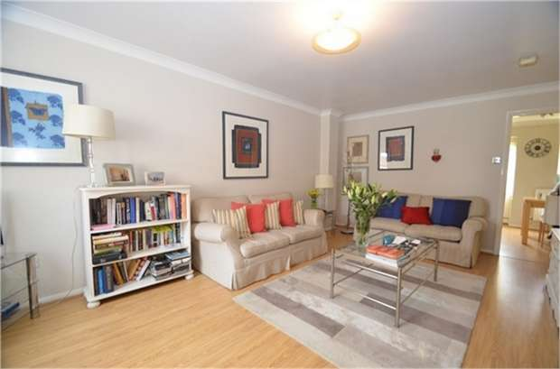 3 Bedrooms Semi Detached House for sale in Brancaster Drive, Mill Hill, London