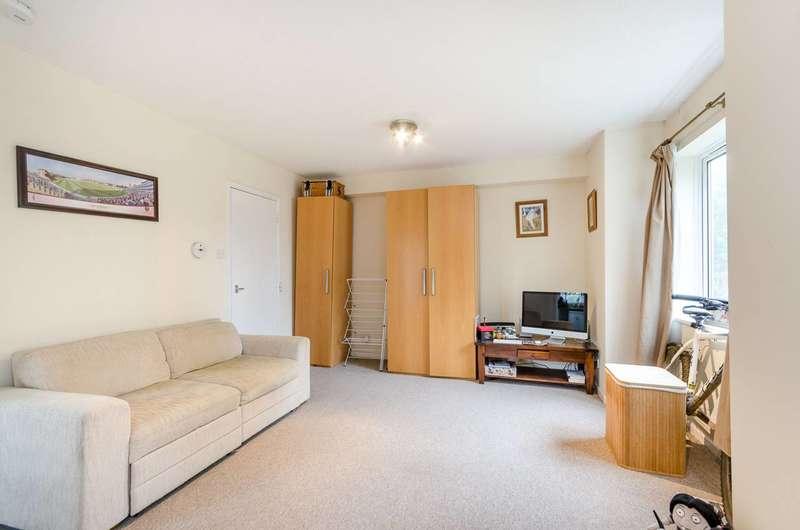 Studio Flat for sale in Friars Avenue, Kingston Vale, SW15