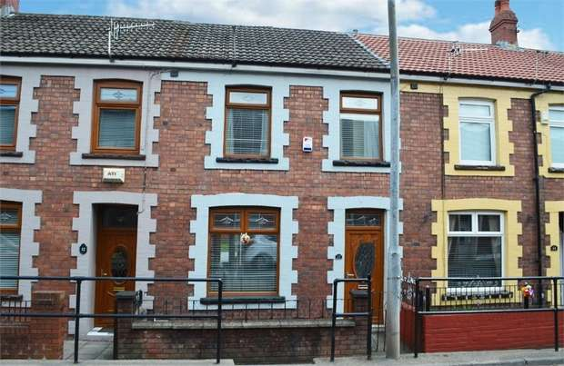 3 Bedrooms Terraced House for sale in Tydfil Terrace, Troedyrhiw, Merthyr Tydfil, Mid Glamorgan