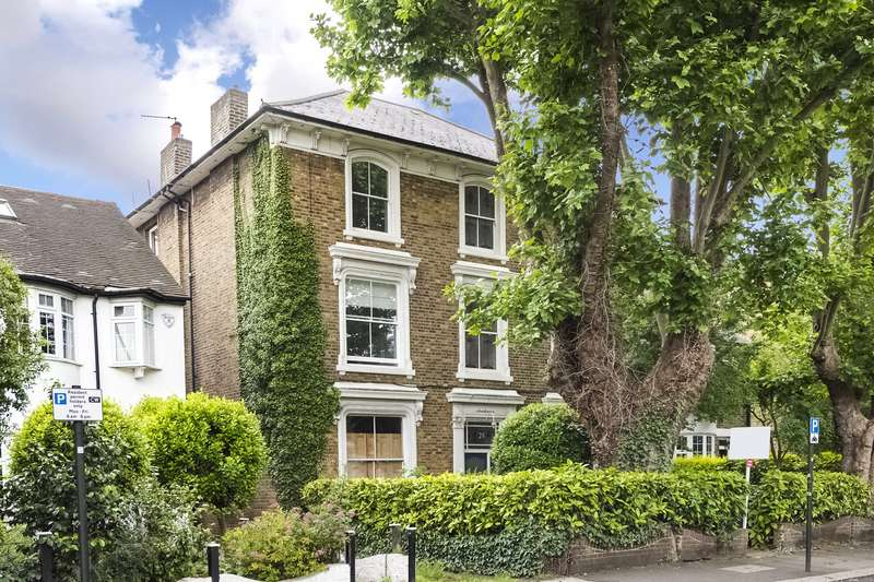 2 Bedrooms Flat for sale in Wellesley Road, Chiswick, London, W4