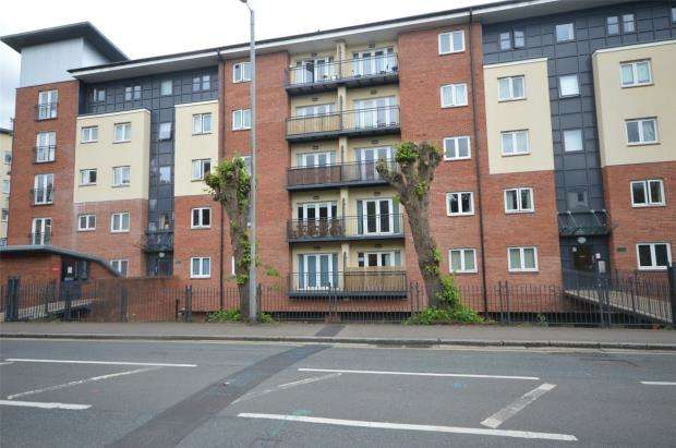 2 Bedrooms Flat for sale in Julius House, New North Road, Exeter, Devon