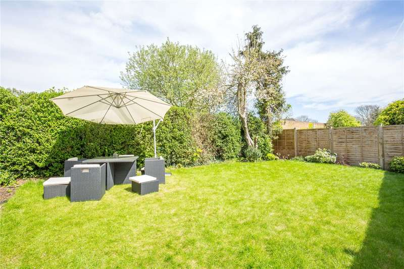 3 Bedrooms Maisonette Flat for sale in Neale Close, Hampstead Garden Suburb, London, N2