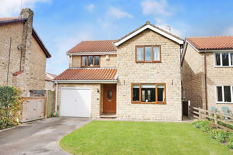 4 Bedrooms Detached House for sale in Eastfield Close, Tadcaster, LS24