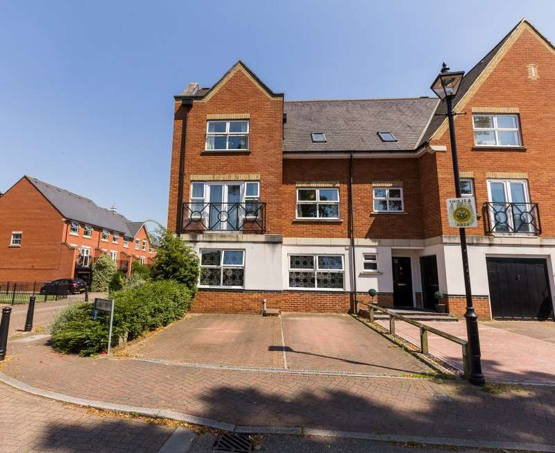 4 Bedrooms Semi Detached House for sale in Abbey Drive, Dartford, Kent, DA2 7WP