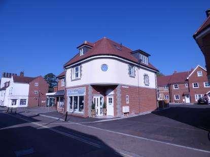 2 Bedrooms Flat for sale in Amesbury, Salisbury, Wiltshire