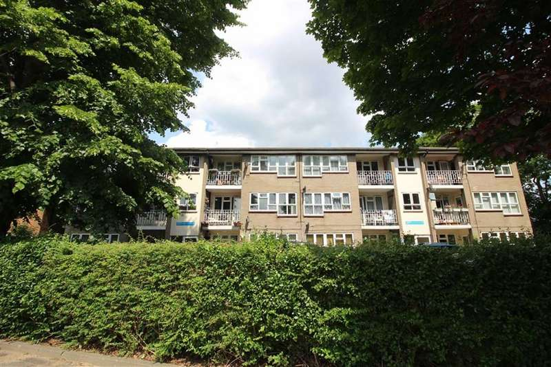2 Bedrooms Flat for sale in The Chestnuts, Gwydor Road, Beckenham, BR3