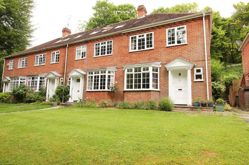 3 Bedrooms End Of Terrace House for sale in Hillside, Whitchurch On Thames