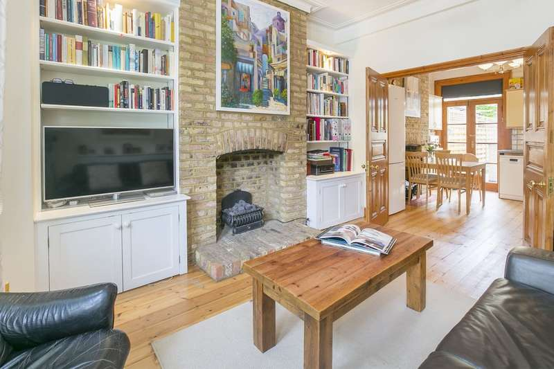 2 Bedrooms Flat for sale in Bowood Road, Battersea, London