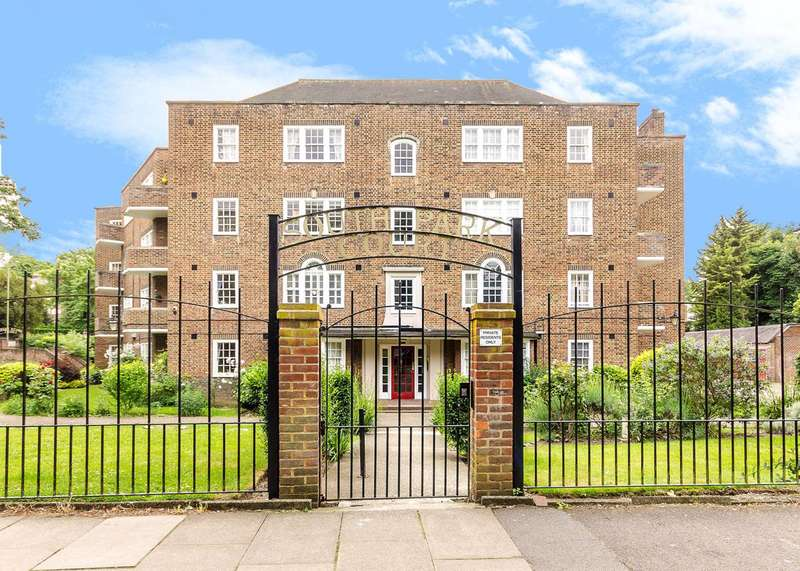 3 Bedrooms Flat for sale in Park Road, Beckenham, BR3