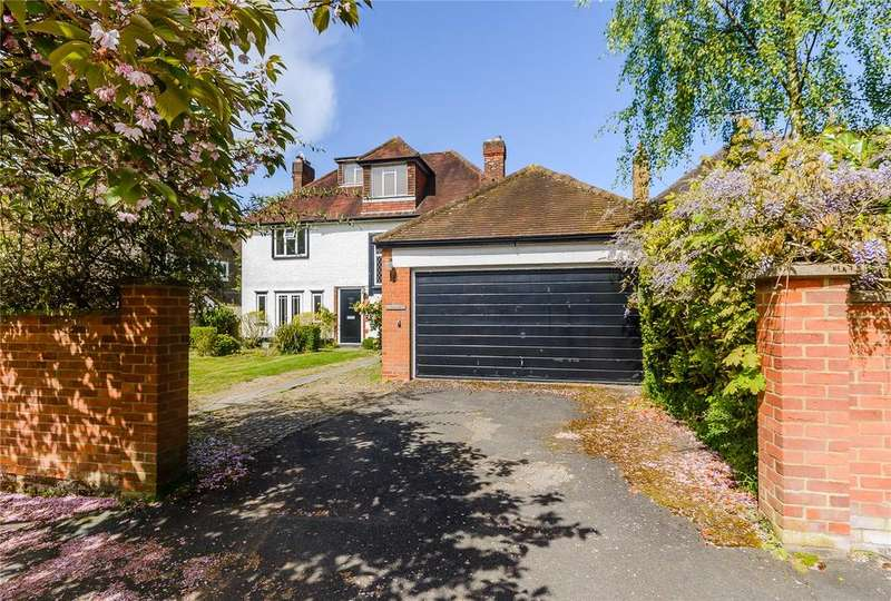 5 Bedrooms Detached House for sale in Latchmoor Avenue, Chalfont St Peter, Gerrards Cross, Buckinghamshire