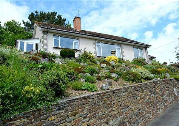 4 Bedrooms Bungalow for sale in Ruan Lanihorne, Ruan High Lanes, Truro, Cornwall, TR2