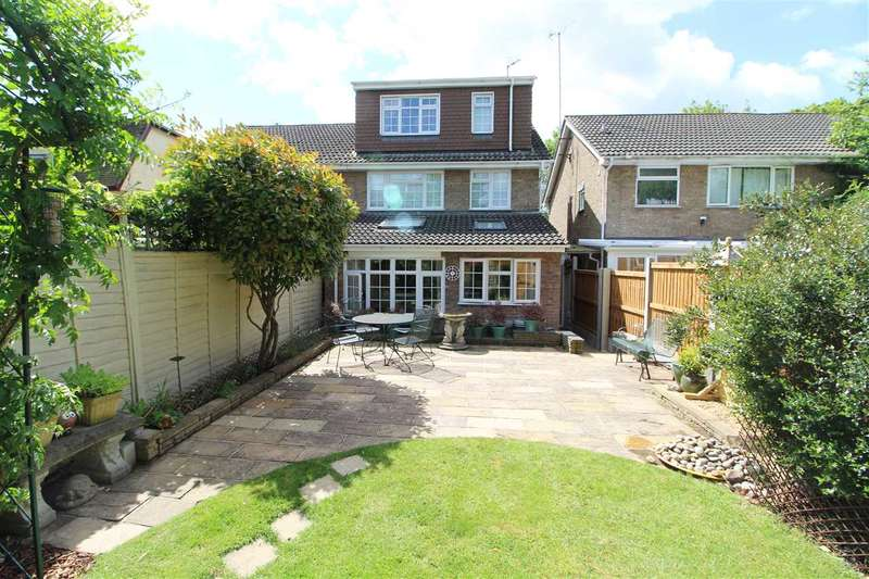 4 Bedrooms Semi Detached House for sale in Cowdray Avenue, Colchester