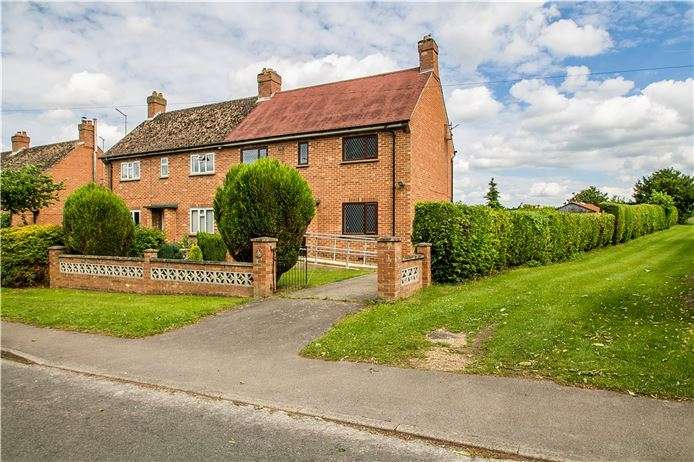 3 Bedrooms Semi Detached House for sale in Mill Lane, Whittlesford, Cambridge